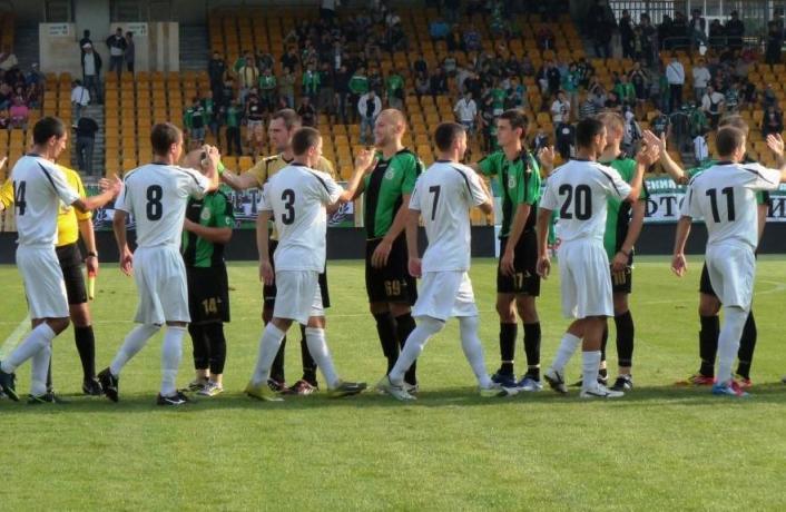 """Официална позиция на ПФК """"Нефтохимик"""": Футболисти на Нефтохимик не са задържани"""