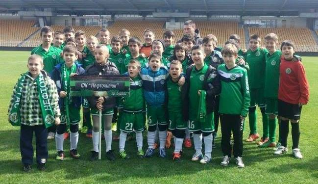 ФК Нефтохимик класира два отбора за финалите на детския турнир за Купа Бургас.