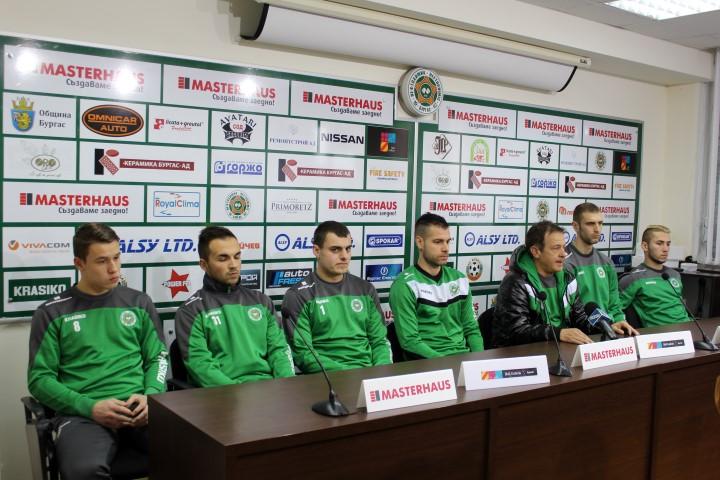 Нефтохимик започна зимната си подготовка със шестима нови футболисти