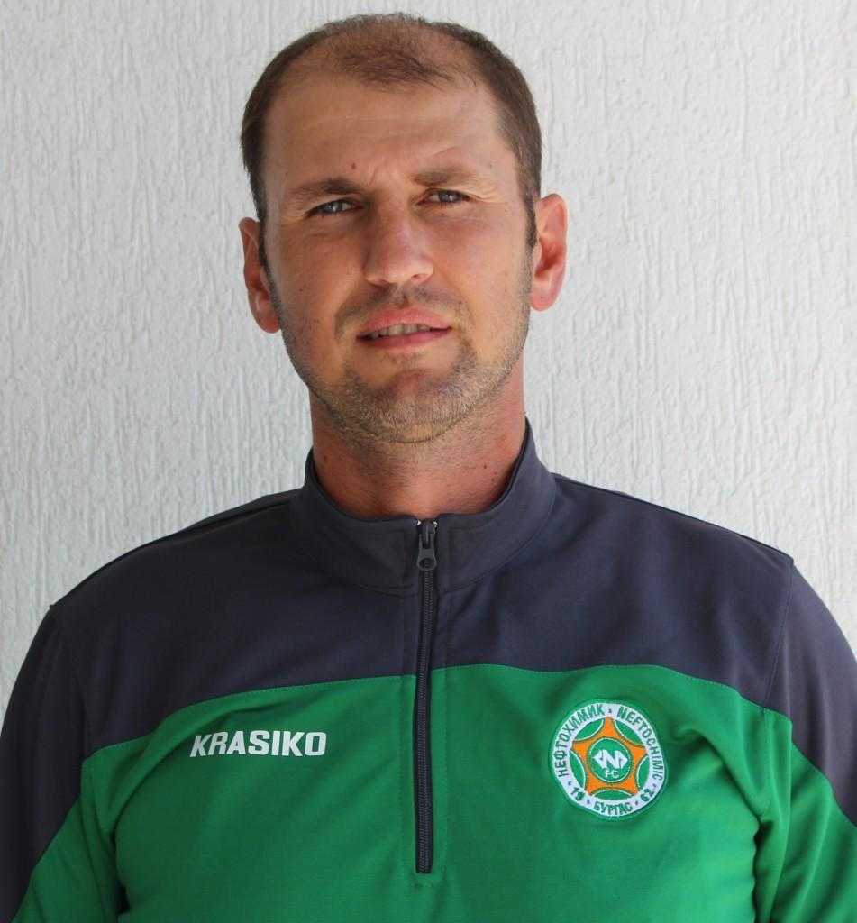 Николай Кръстев - старши-треньор