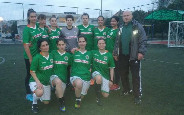 Женският отбор на Нефтохимик посреща Спортика