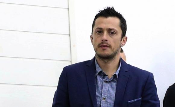 Христо Янев пое Нефтохимик