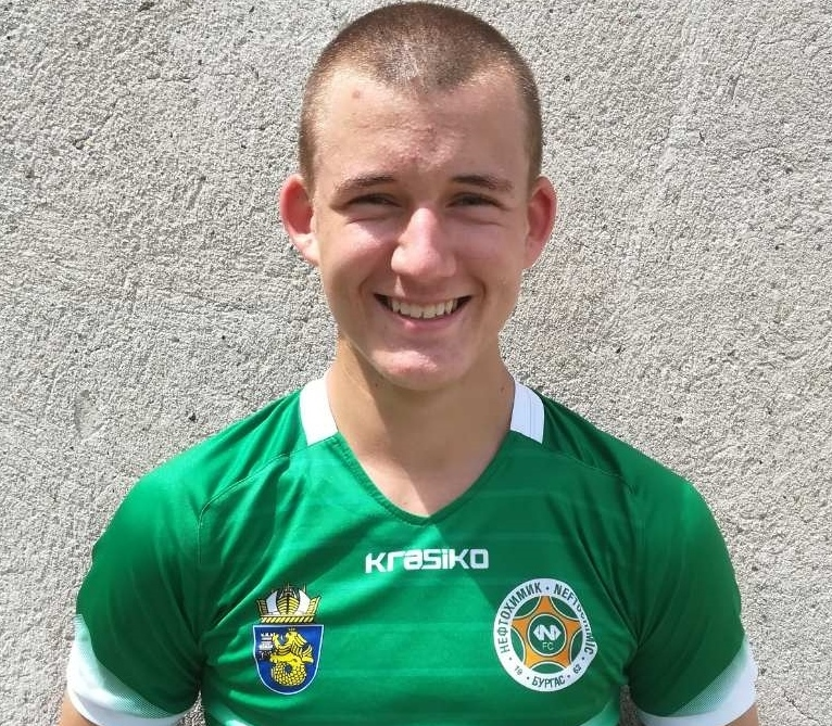 Защитник на Нефтохимик с повиквателна за Националния отбор U14