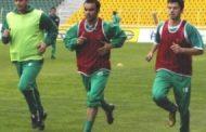 Още футболни звезди влизат в групата на Нефтохимик за градското дерби